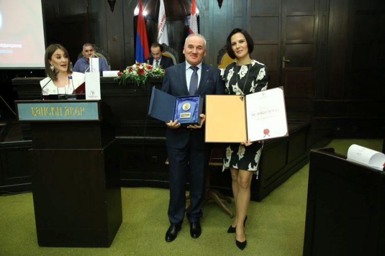 Prim. Dr Mladen Šukalo dobitnik Velikog pečata Komore doktora medicine Republike Srpske