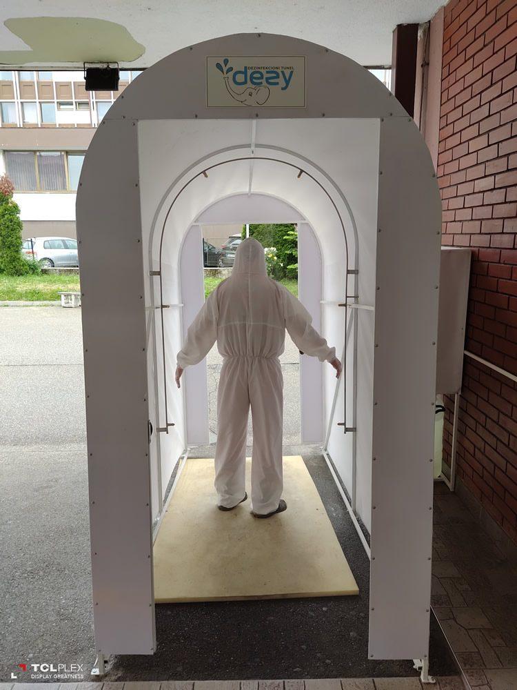 Ispred Službe hitne medicinske pomoći postavljen je dezinfekcioni tunel