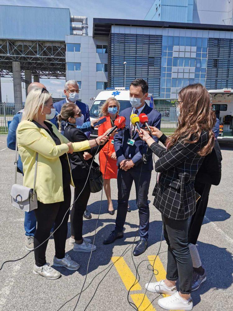 """JZU """"Dom zdravlja"""" u Banjoj Luci donirano sanitetsko vozilo od strane """"EFT – Rudnik i termoelektrana Stanari"""""""