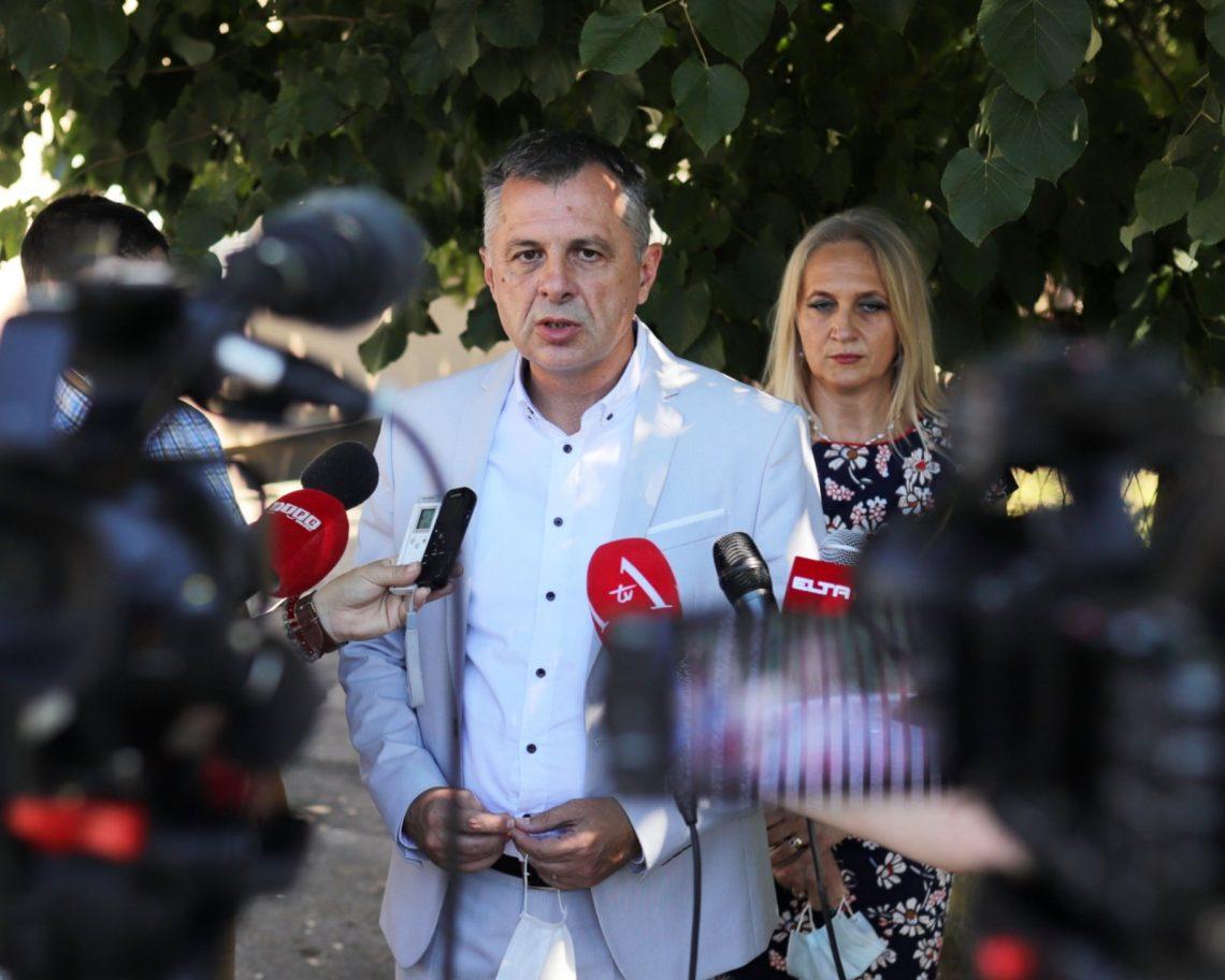 Radni sastanak gradonačelnika Igora Radojičića i direktorice Nevene Todorović